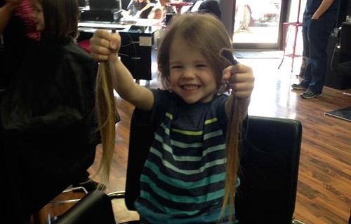 Благотворительность сдать волосы в