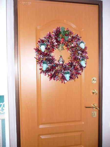 Венок на входные двери своими руками 32