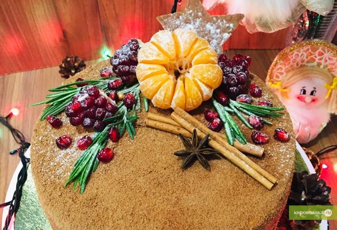 Новогодний торт медовик от посетительницы портала Натальи