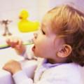 Уход за зубками малыша