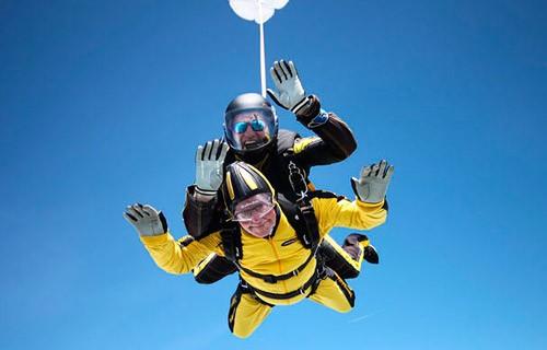 Прыжок с парашютом в 101 год