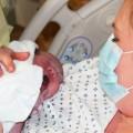 Минздрав рекомендует рожать в масках