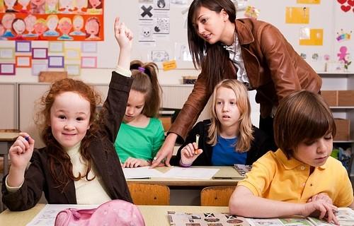 Школьников решили не пускать на занятия без прививки