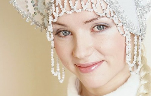 Стать главной Снегурочкой Кирова решили сразу десять девушек