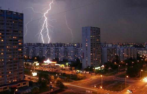 Синоптики снова пророчат грозы Москве